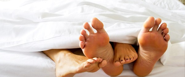 feet-in-bed_0-600x250